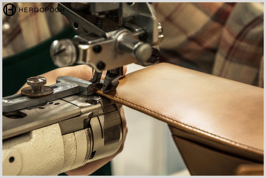 エルゴポックの財布の縫製の画像