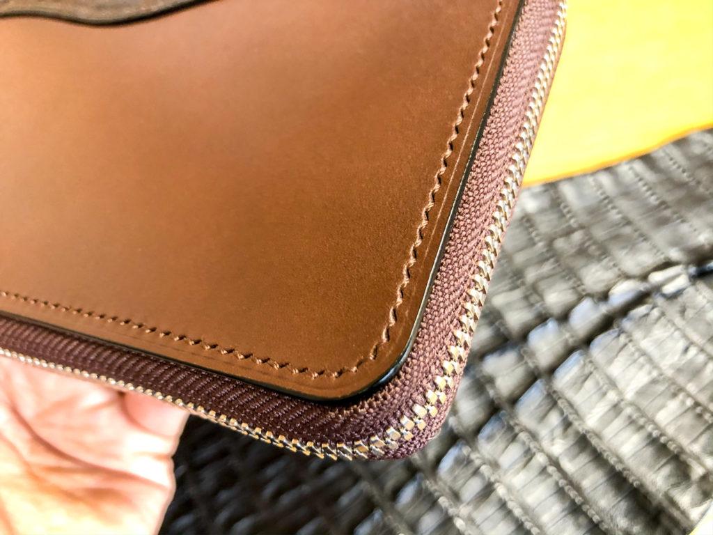 ブリランテ×クロコダイル ラウンドジップ長財布の縫製
