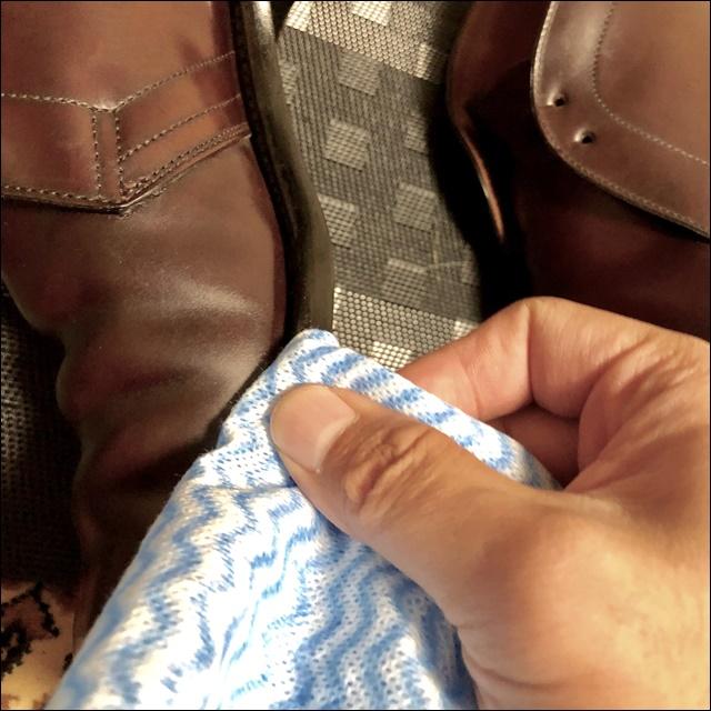 コードバンの革靴のコバを磨くよ
