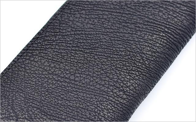 海外産のサメ革